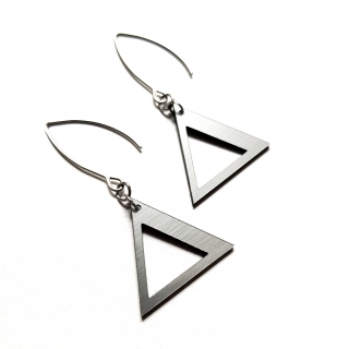 TRIANGLE HANGING SILVER